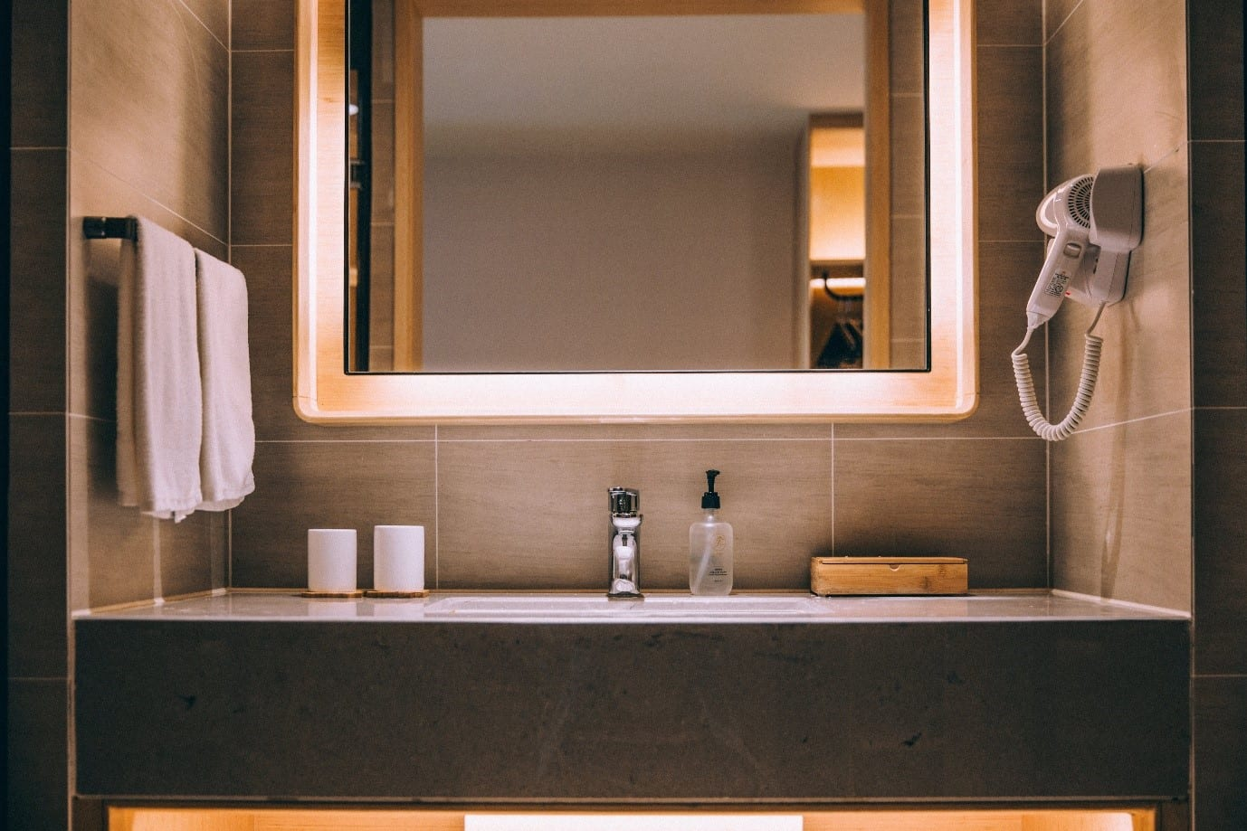 How hoteliers can increase room rates by improving customer facilities